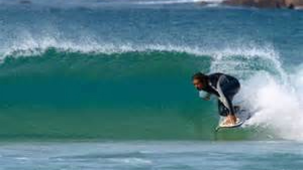 LE SURF A BIARRITZ (SURFIN' IN BIARRITZ)